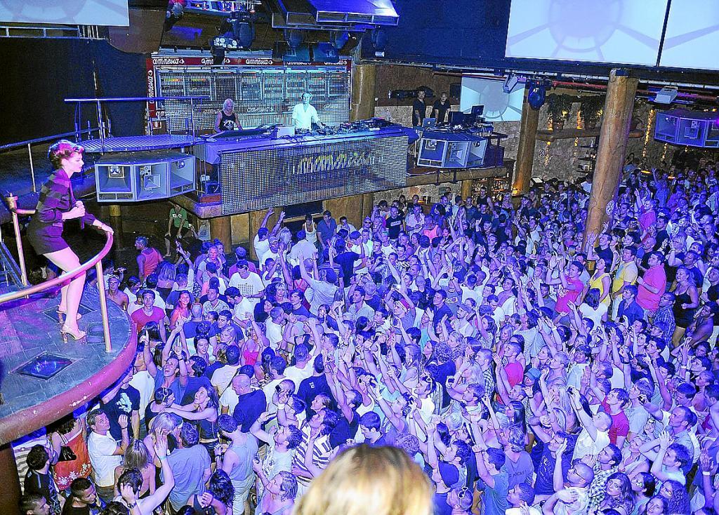 las discotecas acuerdan un cierre patronal en protesta