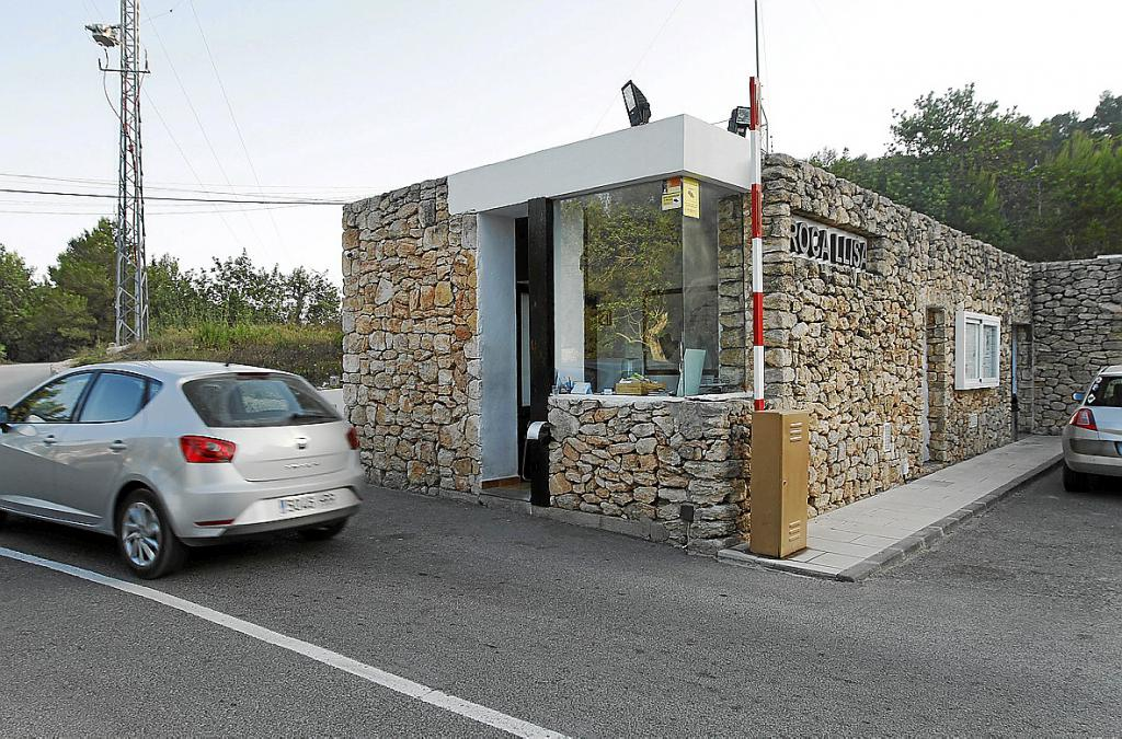 Fiscal a denuncia ante los juzgados la barrera y las for Casetas de jardin modernas