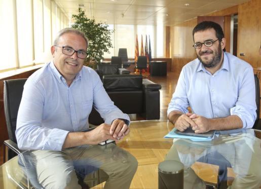 Vidal se compromete en Ibiza a acelerar 'al m�ximo' la tramitaci�n del Plan de Sequ�a