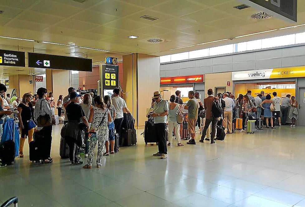 Vueling deja en eivissa a los pasajeros de un vuelo for Oficinas vueling barcelona
