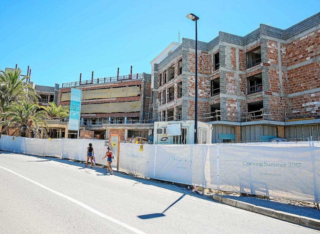 Eivissa contar con 15 hoteles de 5 estrellas en 2017 con - Hoteles cinco estrellas ibiza ...