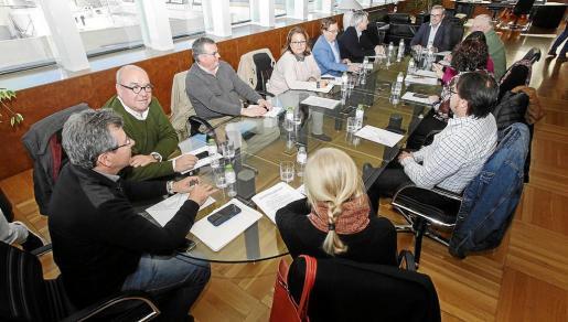 Vicent Torres aclara a los empresarios que está en contra de los pisos turísticos