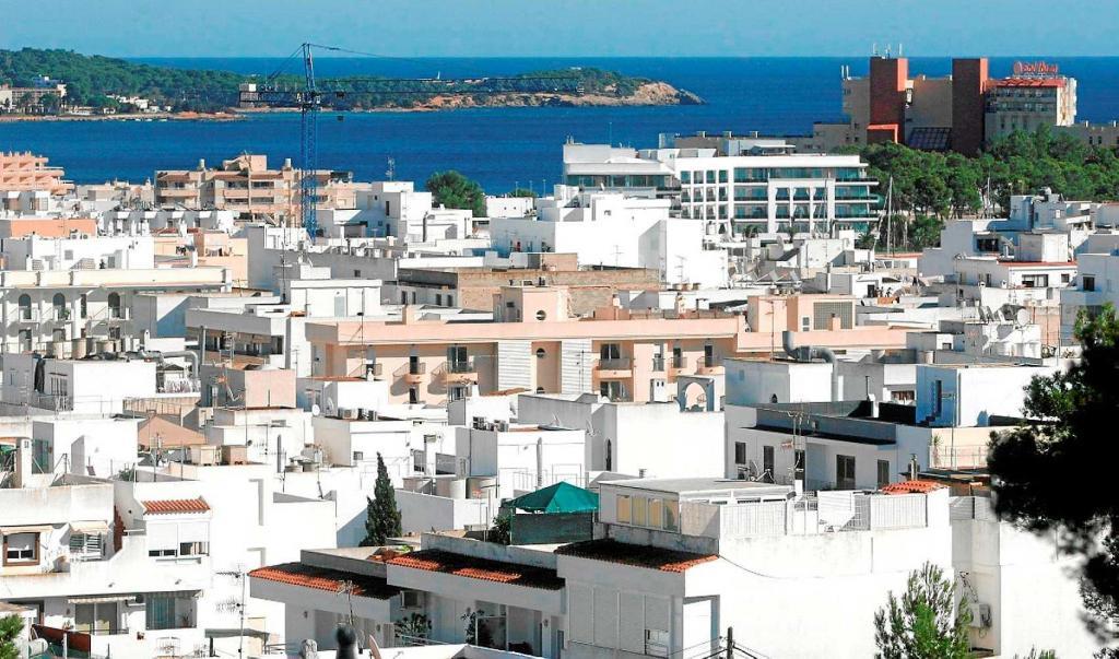 Psoe y podemos alcanzan un acuerdo para prohibir el alquiler de pisos tur sticos en ibiza - Pisos en alquiler ibiza ...