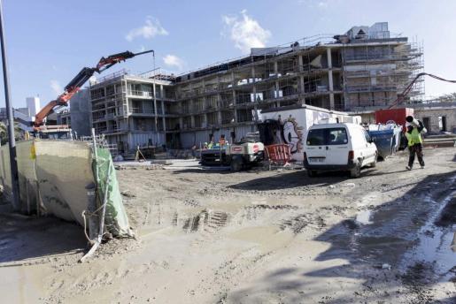 Las obras de rehabilitación del hotel Playa Real de Talamanca han dado lugar al Nobu Hotel Ibiza Bay, de categoría 5 estrellas gran lujo.