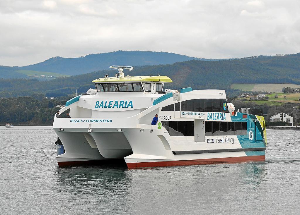 Bale ria incorpora en diciembre un eco fast ferry en for Oficina balearia ibiza
