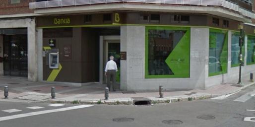 Atraco con rehenes a una oficina de bankia en usera for Oficinas de bankia en madrid