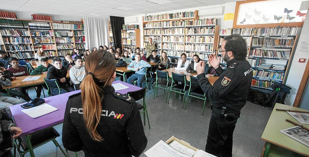 Resultado de imagen de programa de participación ciudadana en la policia