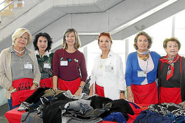 Mercadillo solidario del Club Elsa