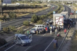 Cinco fallecidos y 10 heridos en un accidente múltiple en Murcia
